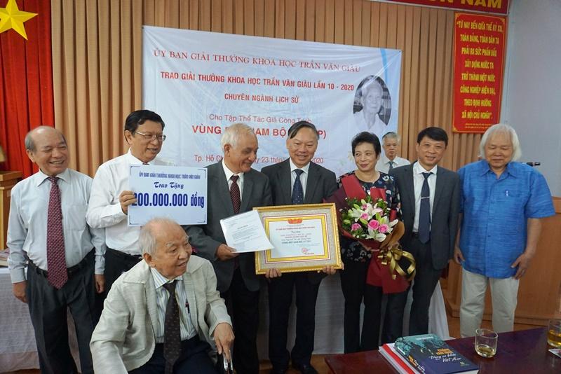Công trình Vùng đất Nam Bộ được trao giải Trần Văn Giàu -0