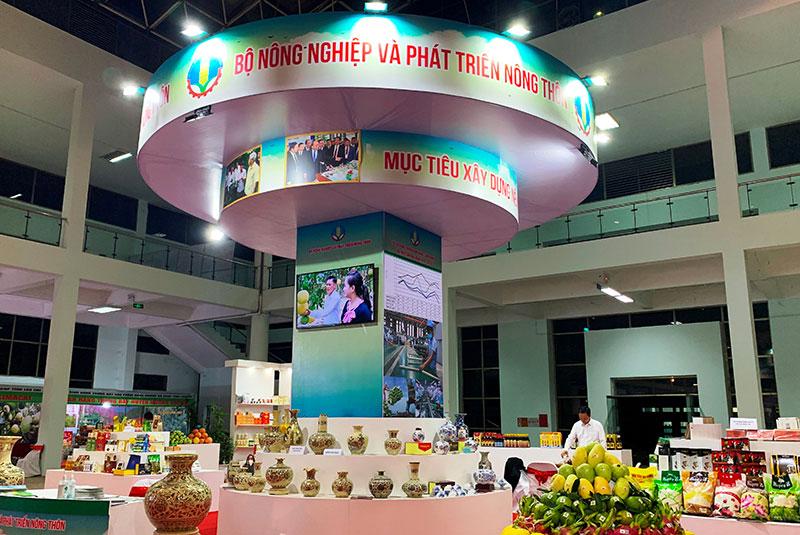 Hội chợ nông nghiệp và các sản phẩm OCOP khu vực phía bắc tại Lào Cai -0