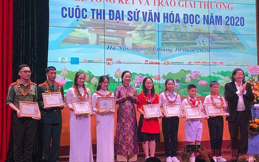 Tổng kết và trao giải Đại sứ Văn hóa đọc 2020 -0