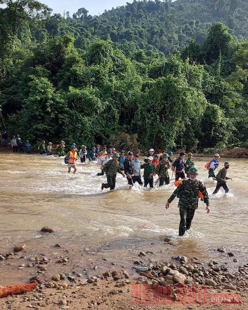 Quảng Bình tìm thấy thi thể cuối cùng trong vụ mất tích do sạt lở khi đi rừng -0