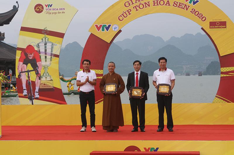 Khai mạc chặng 2 Giải Xe đạp VTV  - Cúp Tôn Hoa Sen tại Hà Nam -0