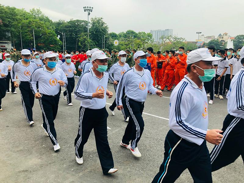 Gần hai nghìn người tham gia Ngày chạy Olympic vì sức khỏe toàn dân -0