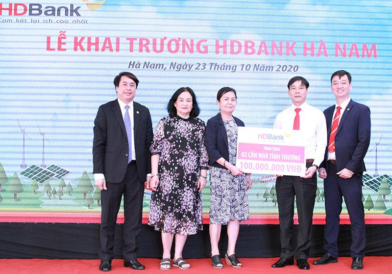 HDBank Hà Nam chính thức đi vào hoạt động -0