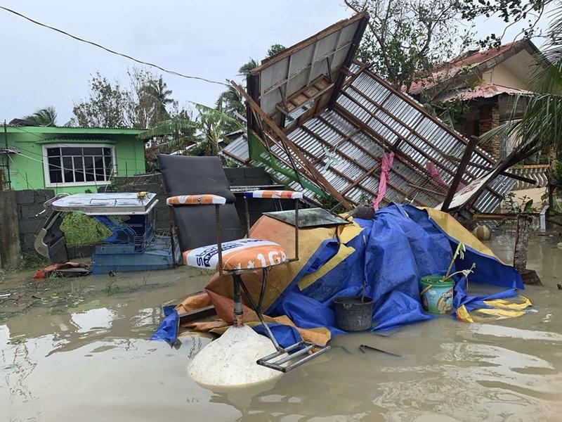 13 người mất tích, hơn 100 nghìn người sơ tán do bão Molave tại Philippines -0