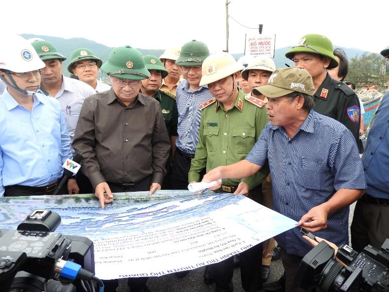 Phó Thủ tướng Trịnh Đình Dũng chủ trì họp khẩn ứng phó bão số 9 -0