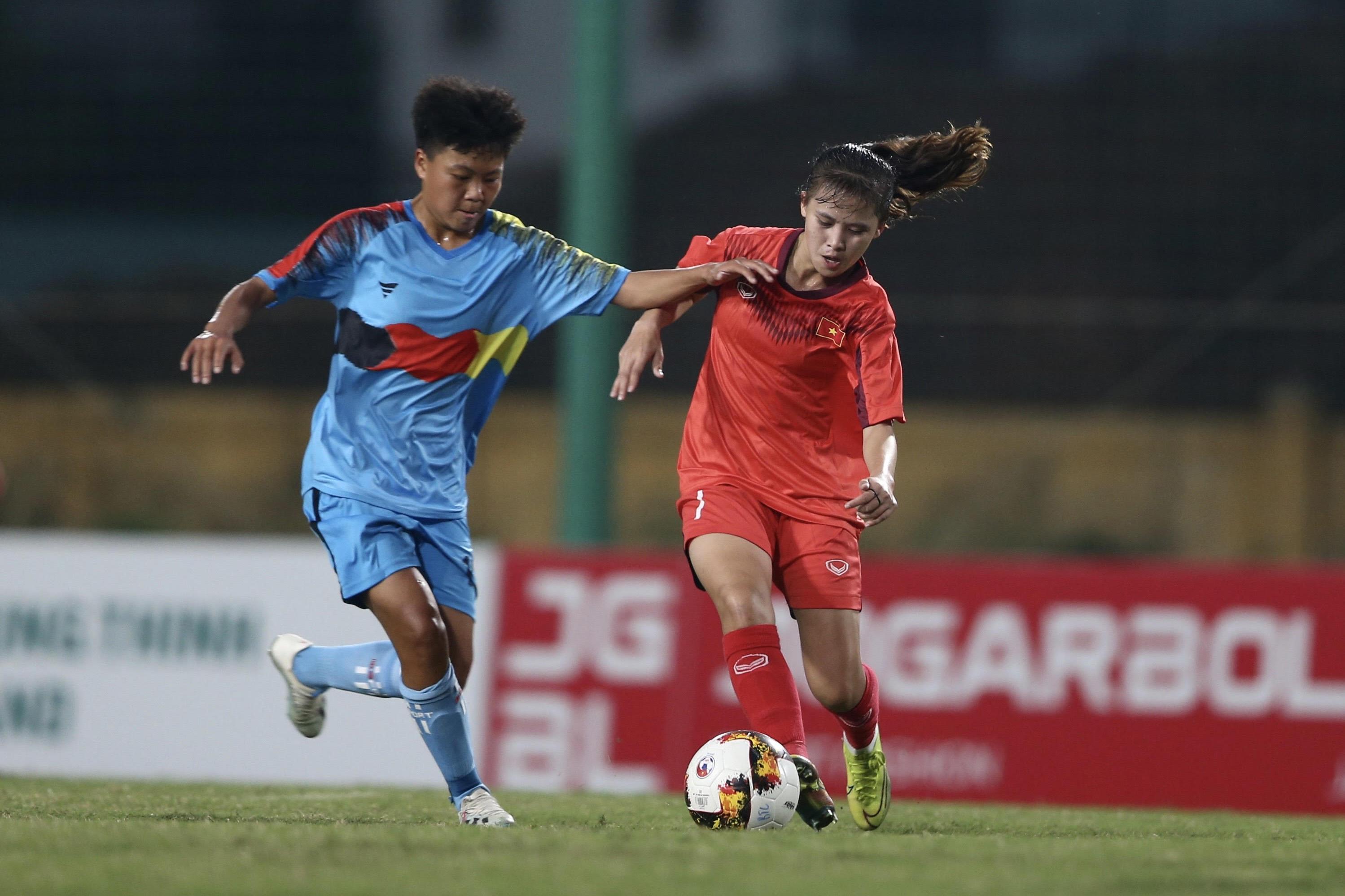 Phong Phú Hà Nam và Dự tuyển U16 duy trì ngôi đầu  -0