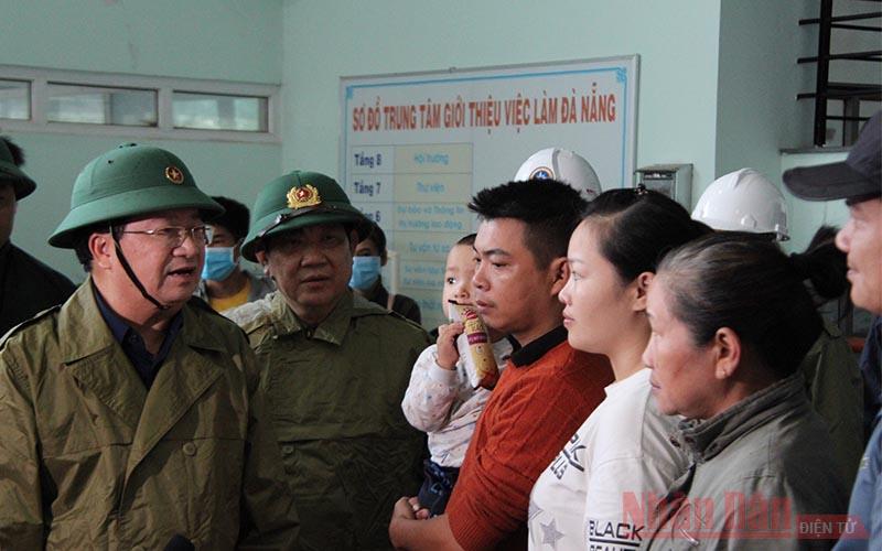 Phó Thủ tướng Trịnh Đình Dũng chỉ đạo công tác phòng, chống bão -0