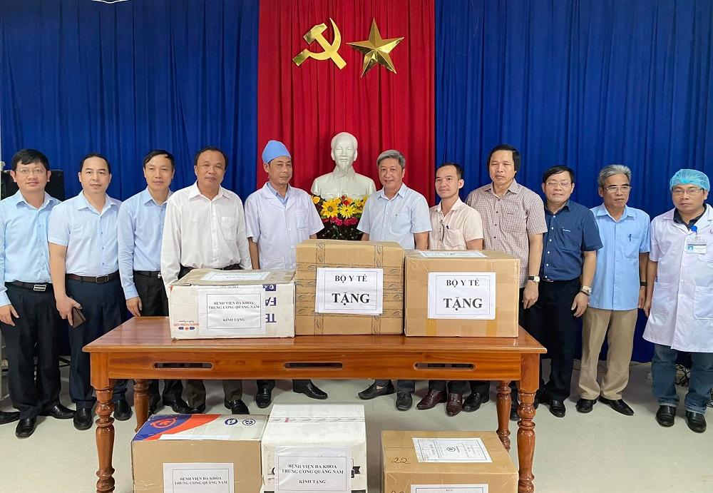Thứ trưởng Nguyễn Trường Sơn: Không để dịch bệnh xảy ra tại vùng lũ lụt -0