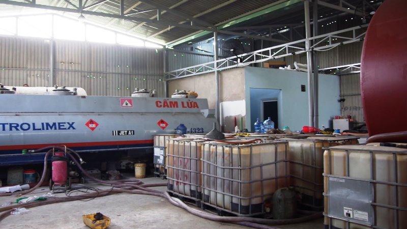Phát hiện một vụ sản xuất xăng giả quy mô lớn tại Bà Rịa - Vũng Tàu -0