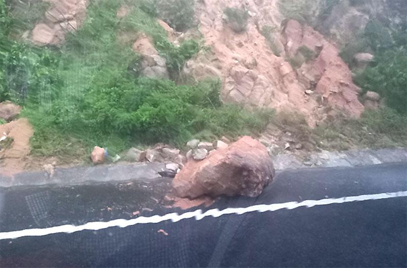 Bão số 12 gây nhiều thiệt hại ở Khánh Hòa -0
