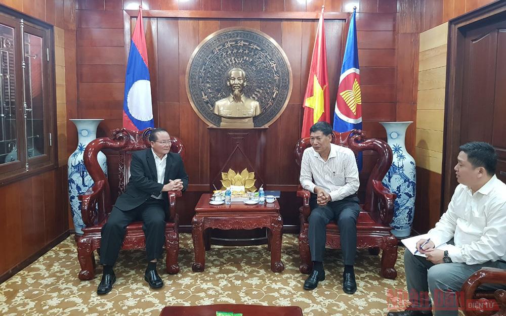 Oudomxay, Lào ủng hộ miền trung Việt Nam khắc phục hậu quả lũ lụt -0