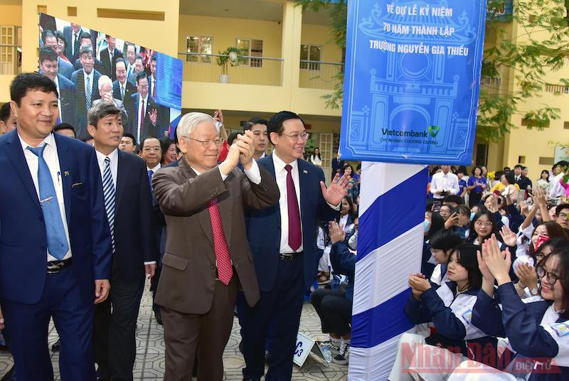 Tổng Bí thư, Chủ tịch nước Nguyễn Phú Trọng dự Lễ kỷ niệm 70 năm thành lập Trường Nguyễn Gia Thiều -0