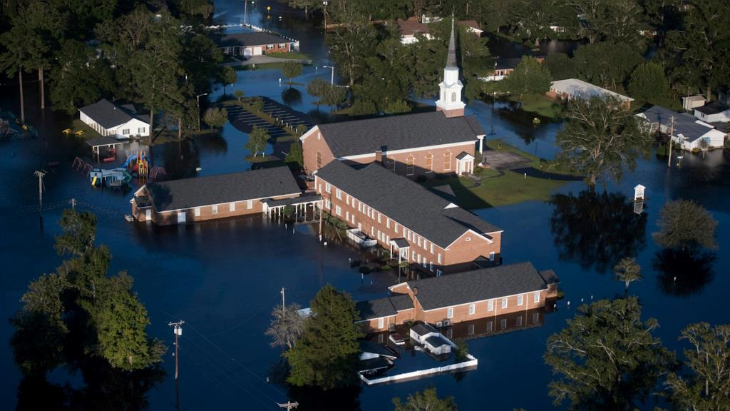Biến đổi khí hậu khiến bão tồn tại lâu hơn khi đổ bộ vào đất liền -0
