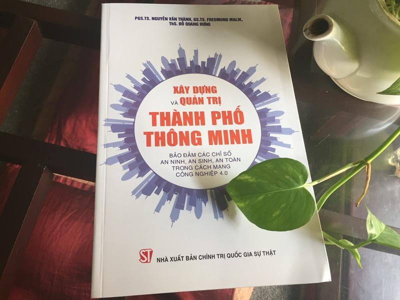 Triển lãm, tọa đàm sách kỷ niệm 75 năm Ngày truyền thống NXB Chính trị quốc gia Sự thật -0