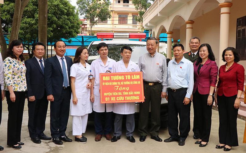 Đồng chí Tô Lâm tiếp xúc cử tri tại Bắc Ninh -0