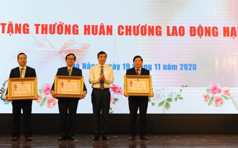 """Đà Nẵng phong tặng danh hiệu """"Giáo sư Danh dự"""" cho GS, TSKH Lê Thành Nhân -0"""