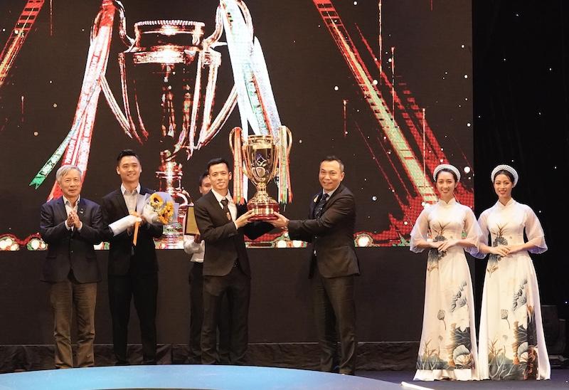 Gala trao thưởng bóng đá chuyên nghiệp Việt Nam 2020 Văn Quyết hay nhất V.League 1-2020 -0