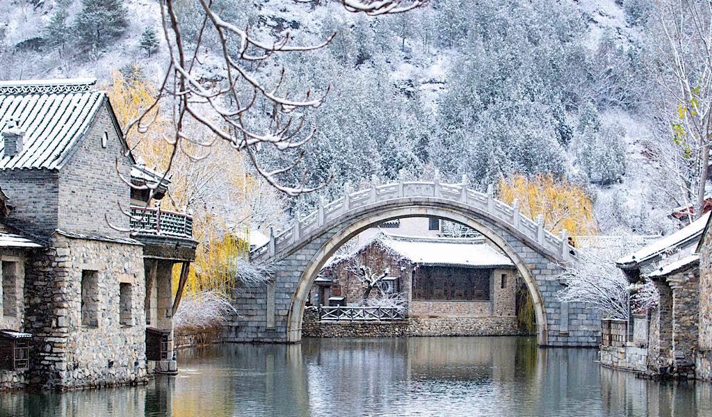 Vẻ đẹp Cổ Bắc thủy trấn (Bắc Kinh) trong trận tuyết đầu mùa -0