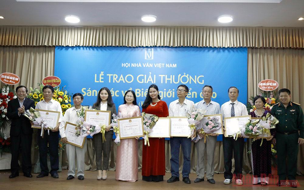 Hội Nhà văn Việt Nam trao Giải thưởng Sáng tác về biên giới, biển đảo -0