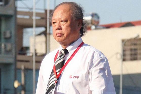 Trọng tài Việt Nam 2020: Các đội bóng khóc, người hâm mộ than, VPF khó hiểu -0