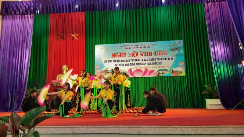 Ngày hội Văn hóa dân gian dân tộc Thái, H'Mông huyện Tủa Chùa -0