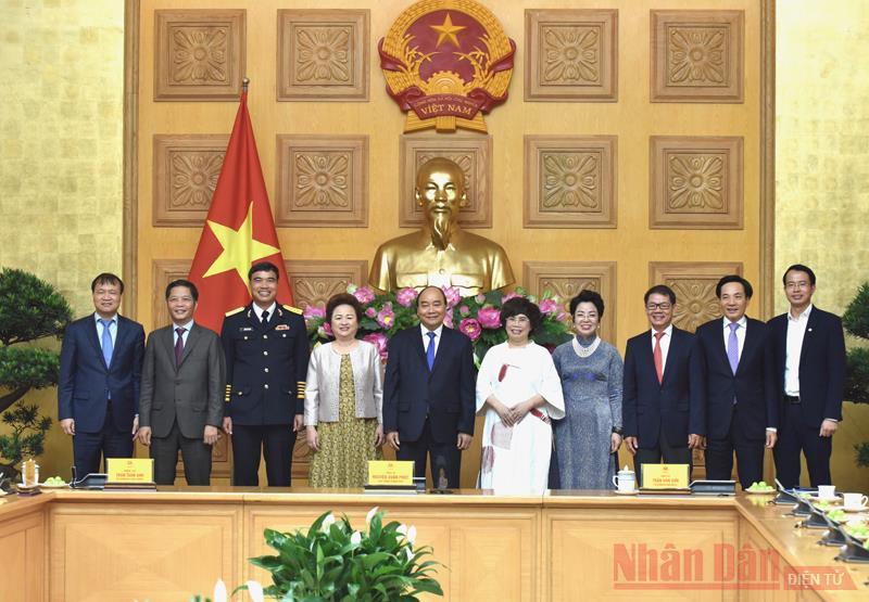 Thủ tướng Nguyễn Xuân Phúc gặp mặt các doanh nghiệp có sản phẩm đạt Thương hiệu quốc gia Việt Nam -0
