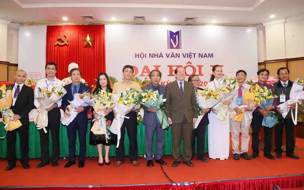 Bế mạc Đại hội X Hội Nhà văn Việt Nam - Báo Nhân Dân