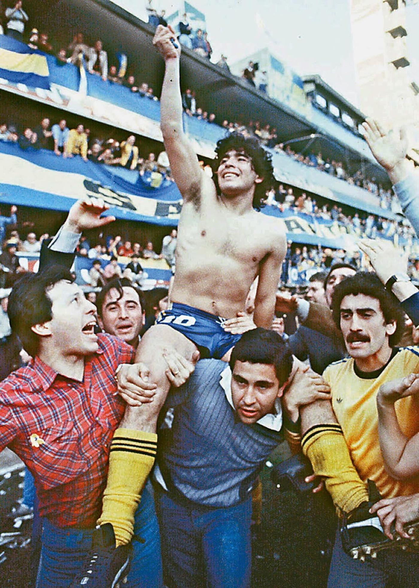 Cuộc đời và sự nghiệp của huyền thoại Maradona qua ảnh -0
