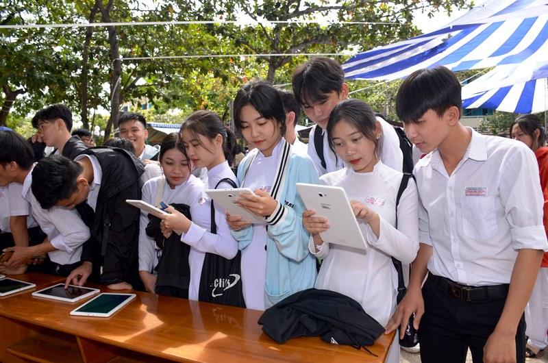 """Triển lãm số """"Hoàng Sa, Trường Sa của Việt Nam-Những bằng chứng lịch sử và pháp lý"""" -0"""