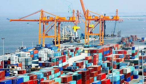 Việt Nam: Bất chấp Covid-19, xuất siêu vẫn đạt kỷ lục 20,1 tỷ USD