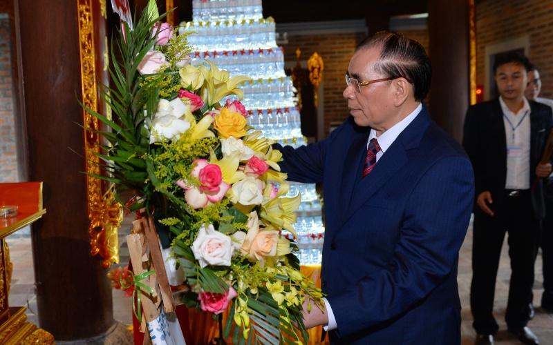 Nguyên Tổng Bí thư Nông Đức Mạnh dâng hương tại đền Chung Sơn và khu di tích Kim Liên -0