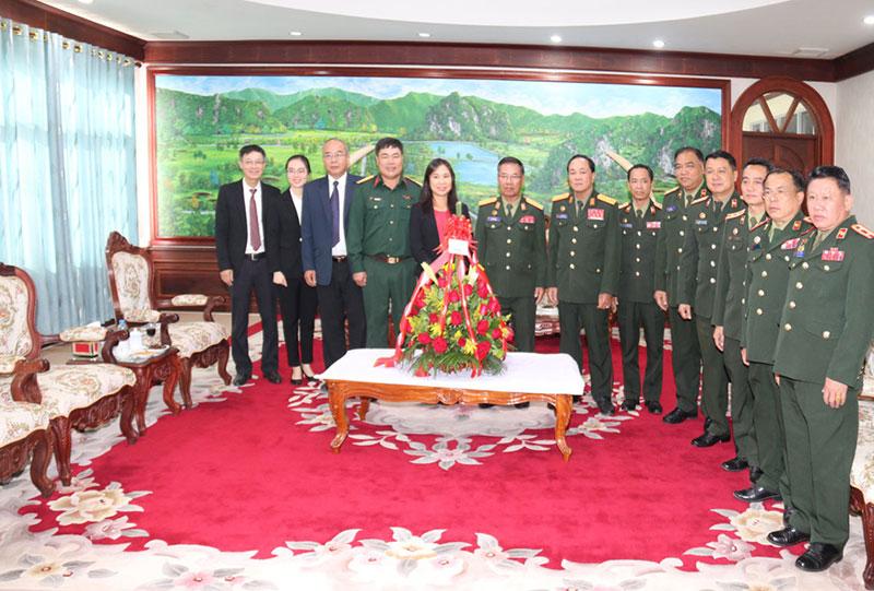 Việt Nam chúc mừng kỷ niệm 45 năm Quốc khánh Lào -0