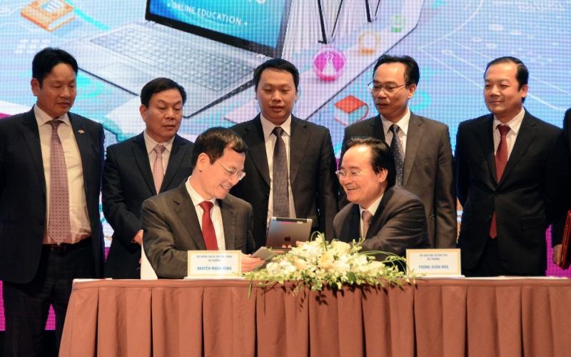 Việt Nam phấn đấu trở thành quốc gia hàng đầu về chuyển đổi số trong GD và ĐT -0