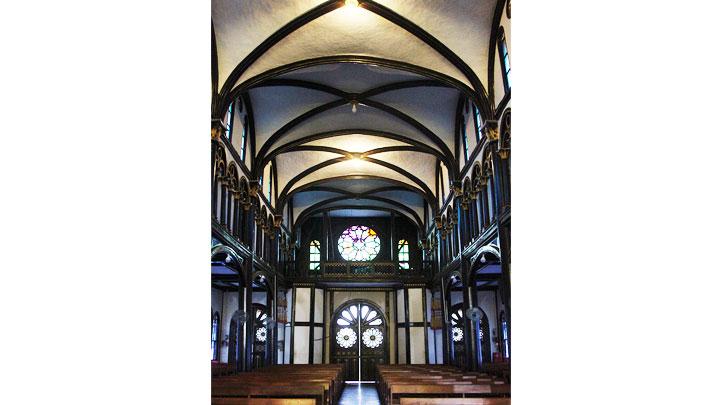 Độc đáo kiến trúc nhà thờ gỗ -0