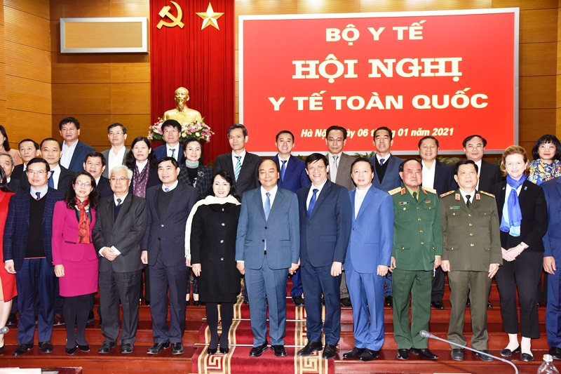 Thủ tướng Nguyễn Xuân Phúc dự Hội nghị Y tế toàn quốc -0