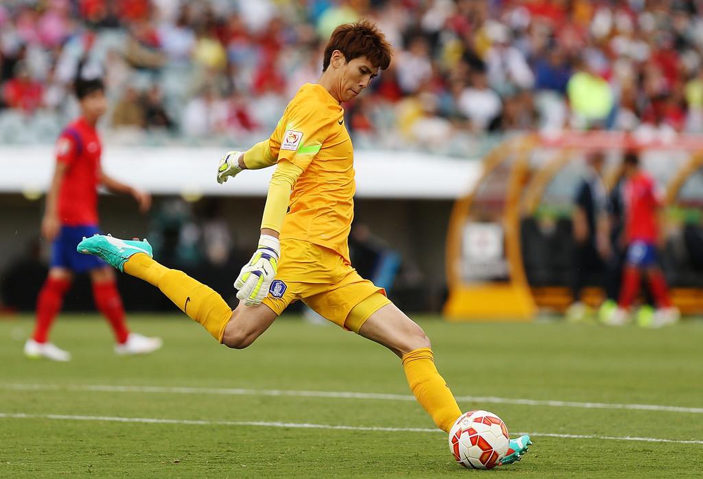 Đến Osaka, Văn Lâm sẽ phải cạnh tranh với thủ thành đẳng cấp -0