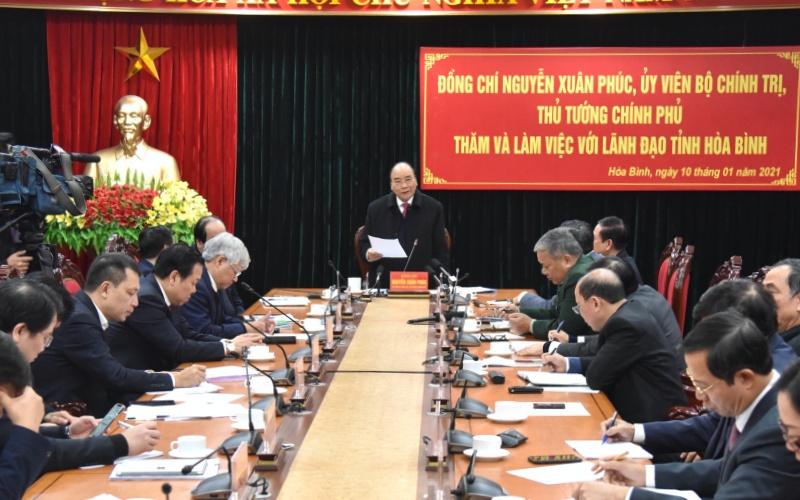 Thủ tướng Nguyễn Xuân Phúc làm việc với lãnh đạo chủ chốt tỉnh Hòa Bình -0