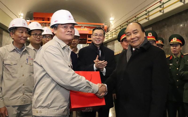 Thủ tướng Nguyễn Xuân Phúc dự khởi công Nhà máy thủy điện Hòa Bình mở rộng -0
