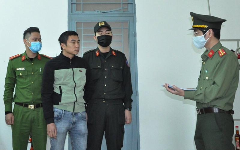 Bắt tạm giam hai tài xế chở người Trung Quốc nhập cảnh trái phép -0