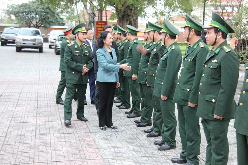 Đồng chí Trương Thị Mai thăm và tặng quà tại tỉnh Quảng Nam -0