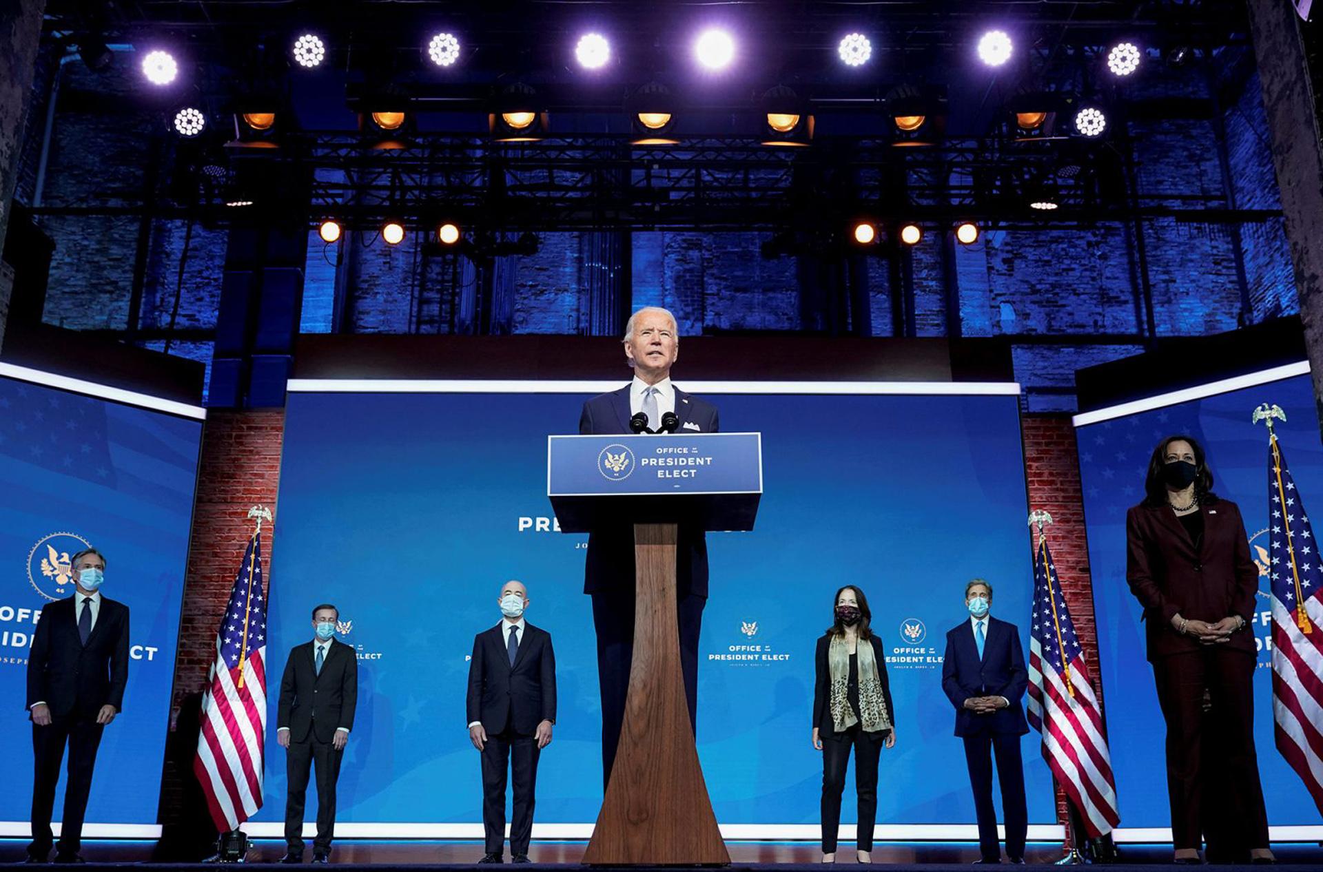 Hàn gắn chia rẽ, khôi phục vị thế nước Mỹ -0