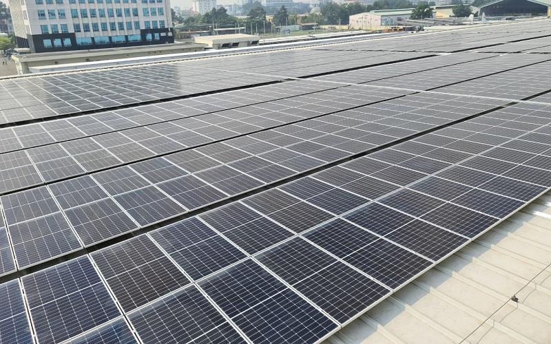 Khánh thành công trình điện mặt trời áp mái đầu tiên tại sân bay Tân Sơn Nhất -0
