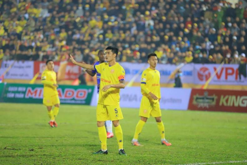 Khởi tranh V-League 2021: Hà Nội bước hụt 'ngỡ ngàng' trước Nam Định -0