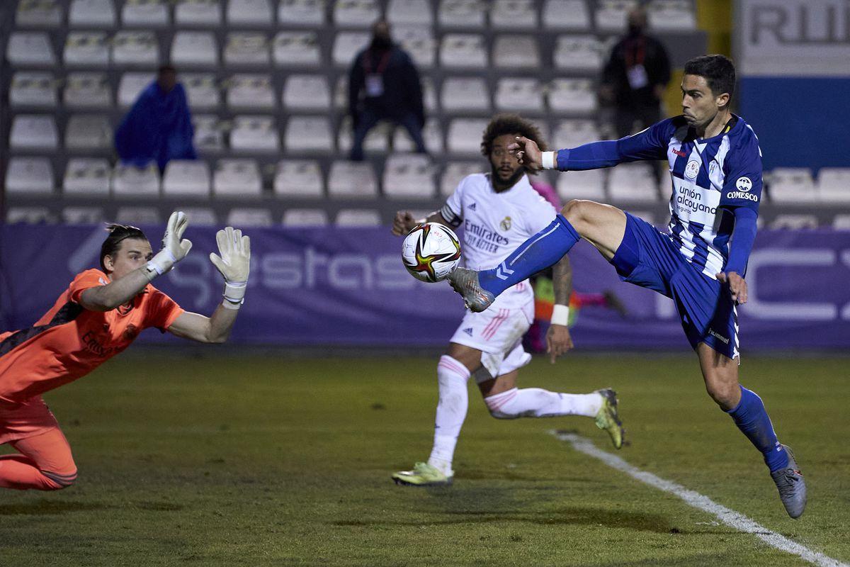 Để thua đội yếu, Real bị loại khỏi Cúp Nhà vua Tây Ban Nha -0