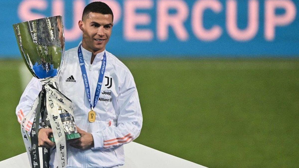 Ronaldo lập công, Juventus vô địch Siêu cúp Italia -1