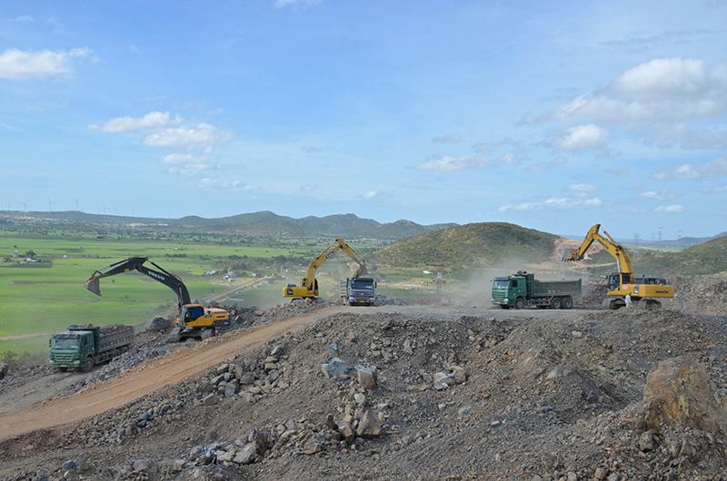 Đoàn công tác Quốc hội giám sát tiến độ thực hiện Dự án cao tốc đoạn Vĩnh Hảo - Phan Thiết -0