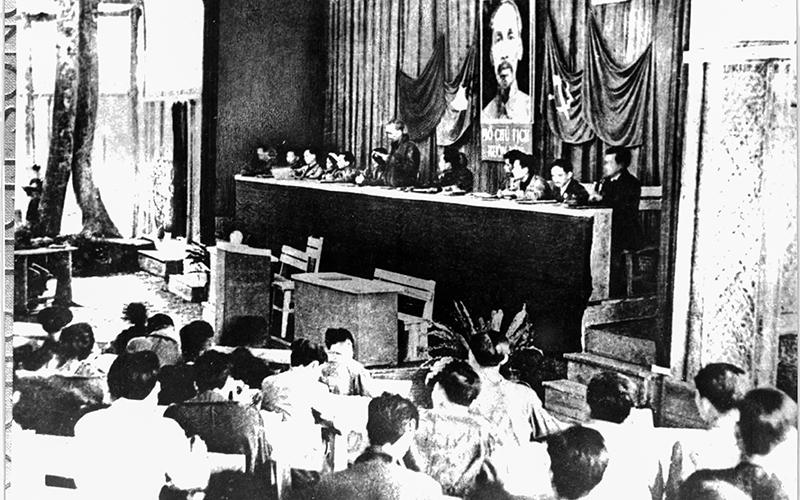 Bác Hồ với Hội nghị thành lập Đảng và các Đại hội của Đảng -0