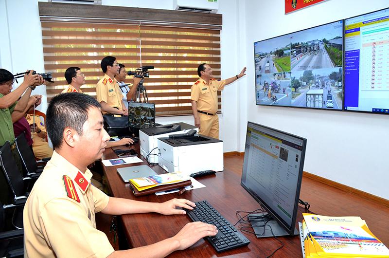 Giám sát, xử lý vi phạm TTATGT trên tuyến Quốc lộ 1A bằng hệ thống camera -0