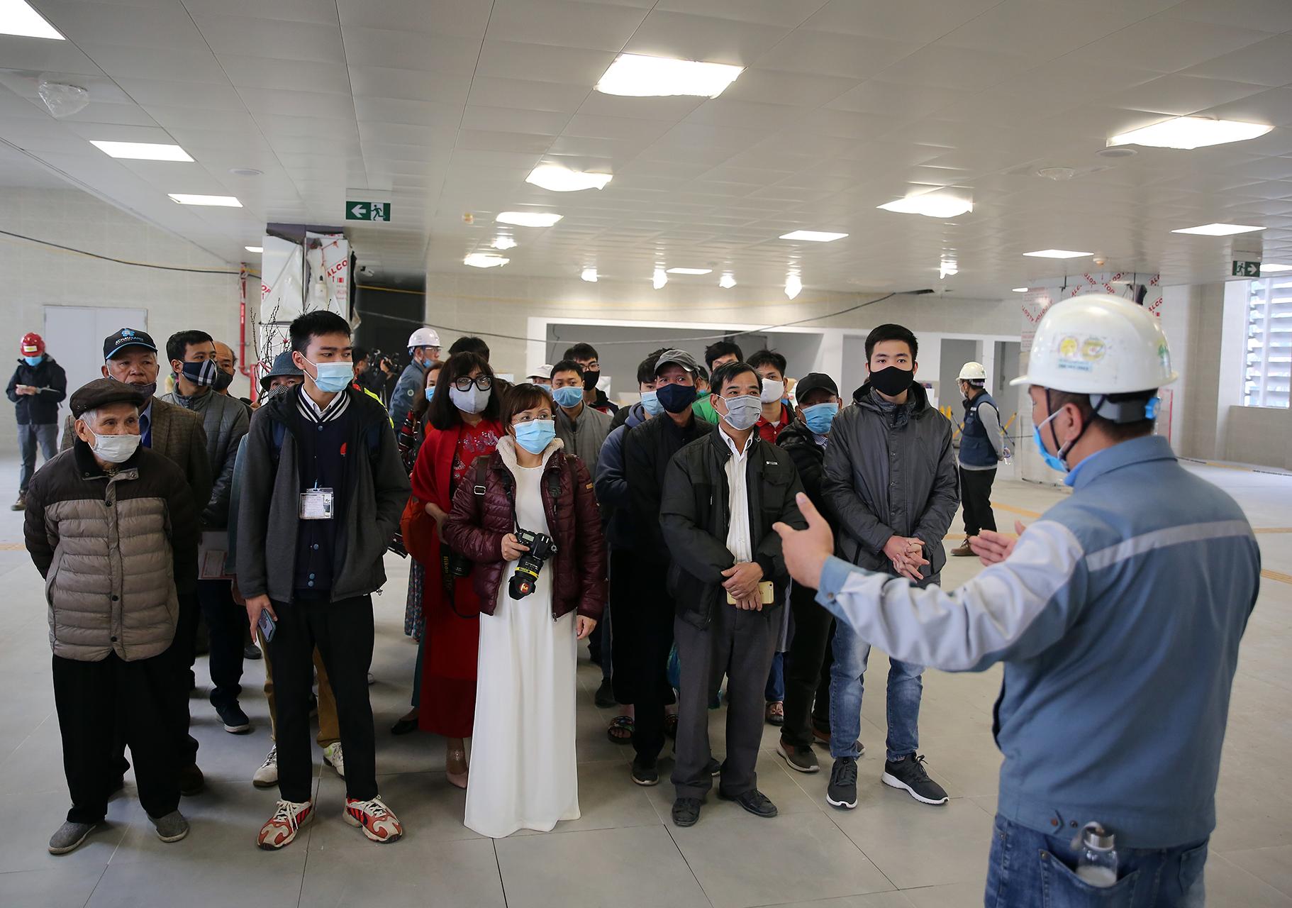 Mở cửa đón người dân tham quan tàu Metro Nhổn – ga Hà Nội -2
