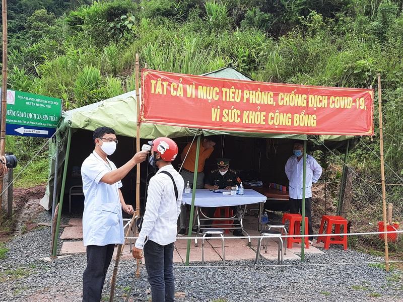 Điện Biên lập hai chốt kiểm dịch trên hai tuyến quốc lộ -0